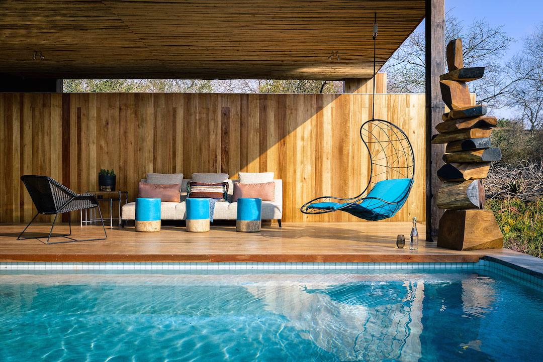low-res-pool-suite-1